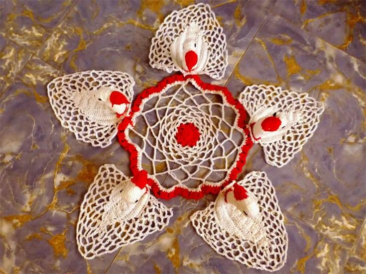 Crocheted Swan Christmas Doily