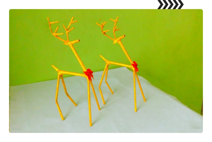 Newspaper Reindeer