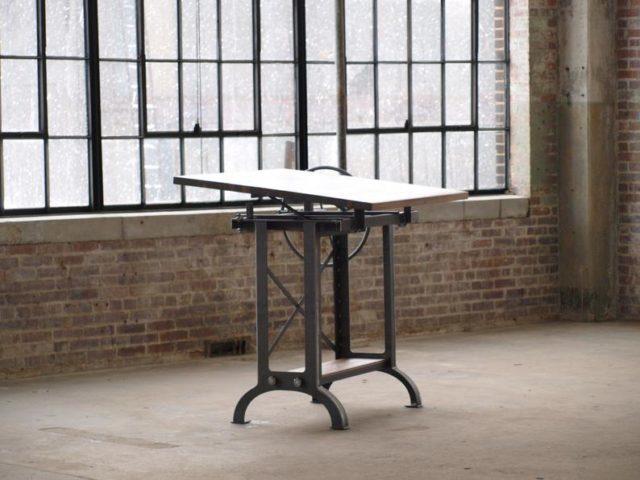 Adjustable Craft Table