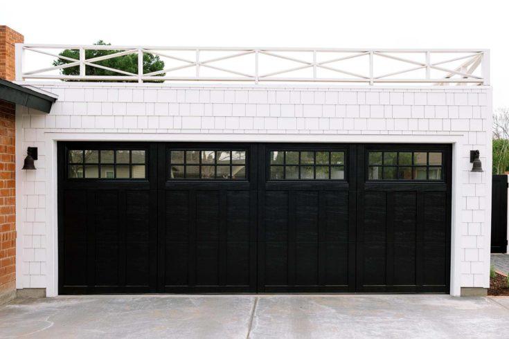 Black Carriage Garage