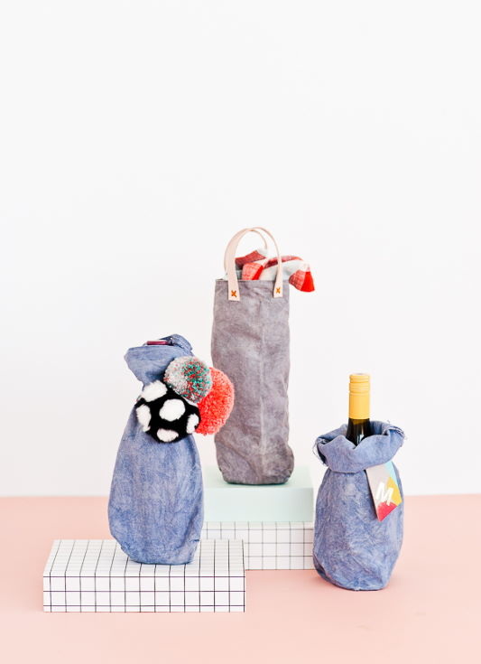 Canvas Wine Tote with wine bottle inside