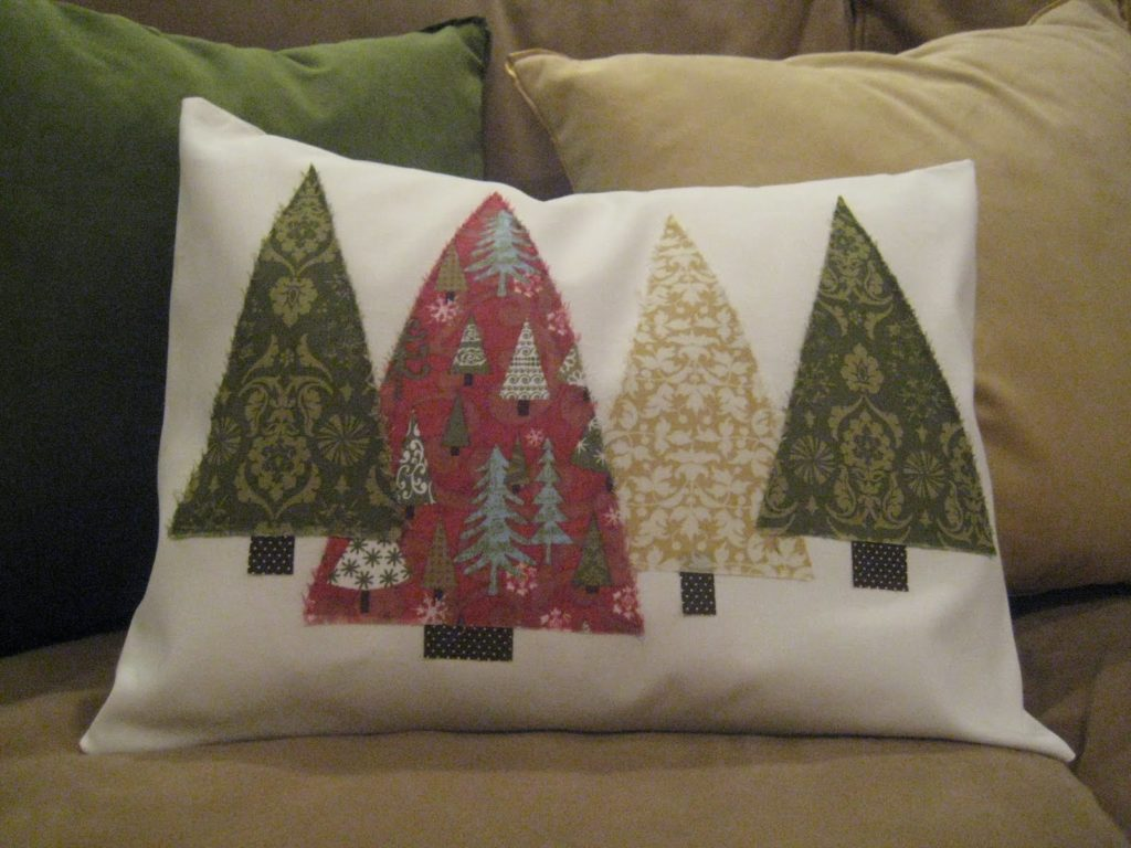 Christmas tree designed pillow