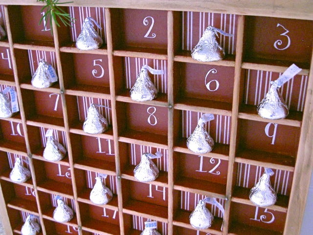 Chocolote Kisses Advent Calendar in brown box shelves