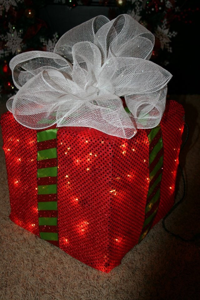 diy lighted christmas present box