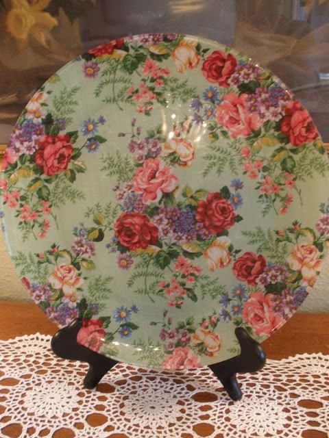 Decoupage Fashion Plates with stand
