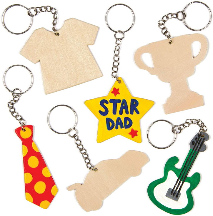 Baker Ross Ltd Fathers Day Wooden Keyring Kit (Pack of 8), for Kids to Assemble and Attach to Key Rings and Bags