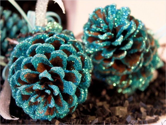 Pinecone ornament with covered green glitters