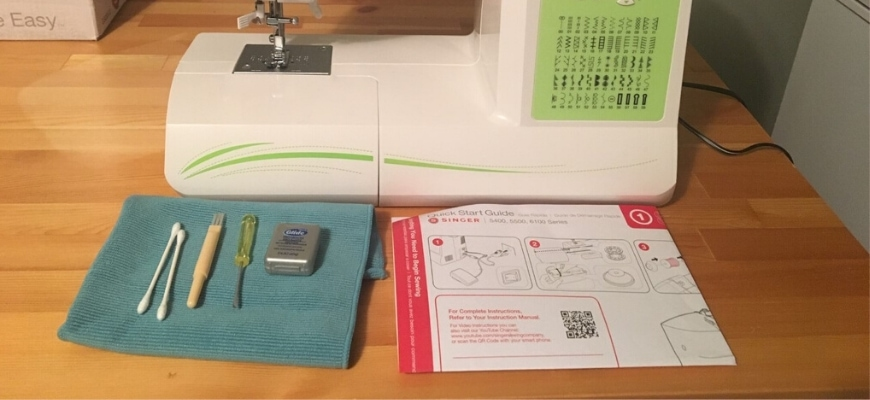 Sewing Machine with materials and manual