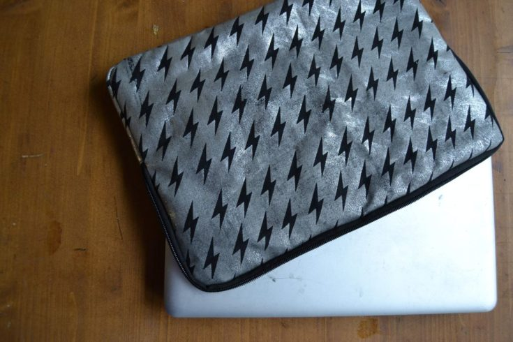 DIY laptop bag with black thunder design