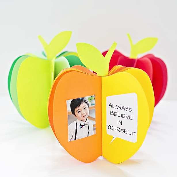 Photo display craft in an apple design.
