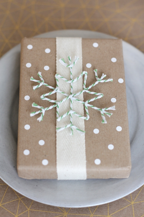 Bown Gift Wrapper Paper with polka dots and string snowflake