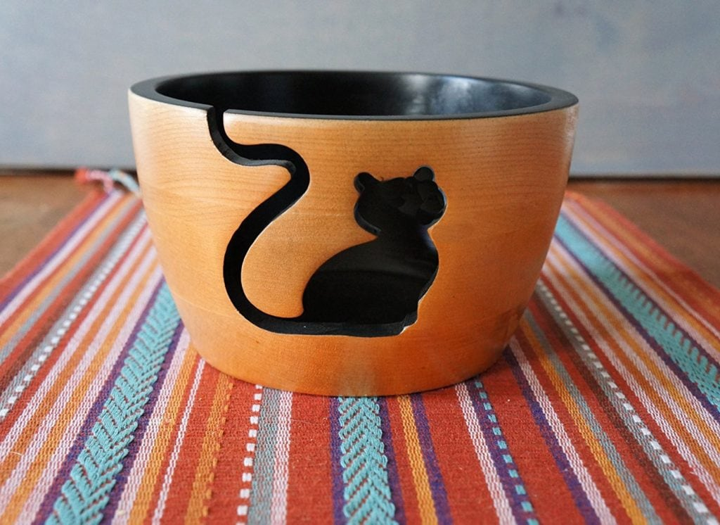 12 beautiful yarn bowls you 39 ll want to keep forever mostcraft. Black Bedroom Furniture Sets. Home Design Ideas