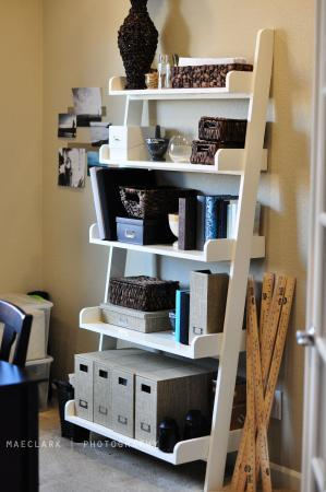 DIY ladder book shelves